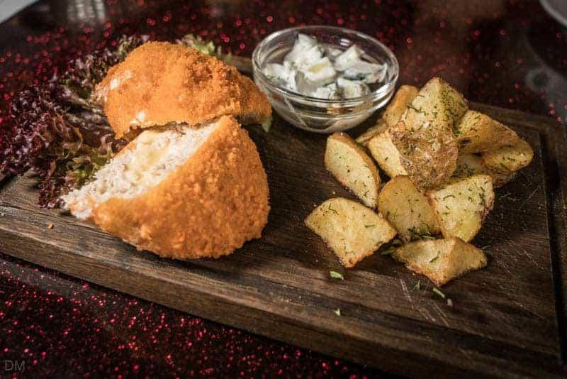 Chicken schnitzel with potatoes